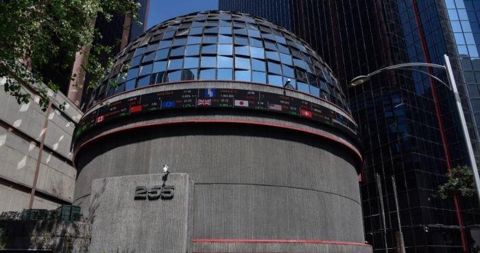 Foto del exterior de la sede de la bolsa mexicana de valores