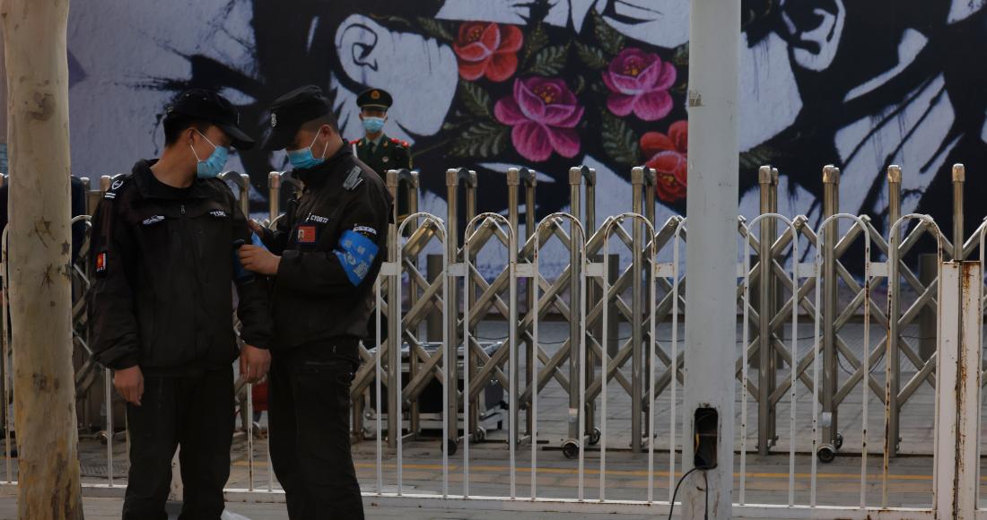 Agentes de seguridad chinos en Beijing, el 6 de abril de 2021. Imagen ilustrativa.