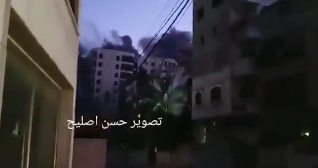 El conocido edificio Hanide de 13 plantas, en la Ciudad de Gaza, fue bombardeado.