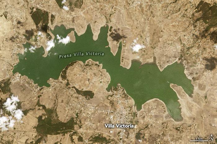 Imagen de cómo lucía la presa Villa Victoria el pasado 30 de marzo de 2021.