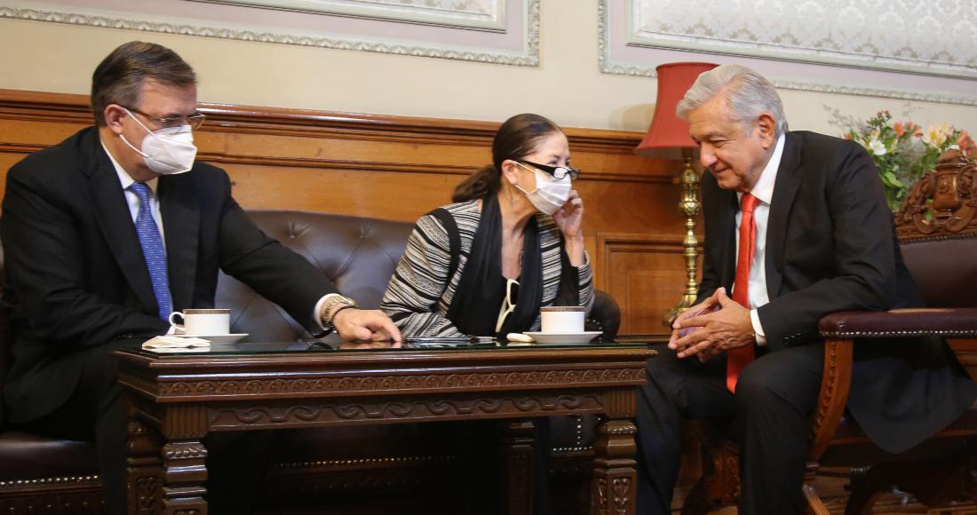 El Presidente Andrés Manuel López Obrador durante su conversación con Kamala Harris, Vicepresidenta de Estados Unidos.