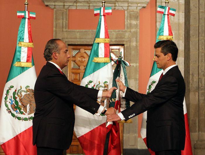 Felipe Calderón el día que le entregó el mando a Enrique Peña Nieto en el Palacio Nacional.