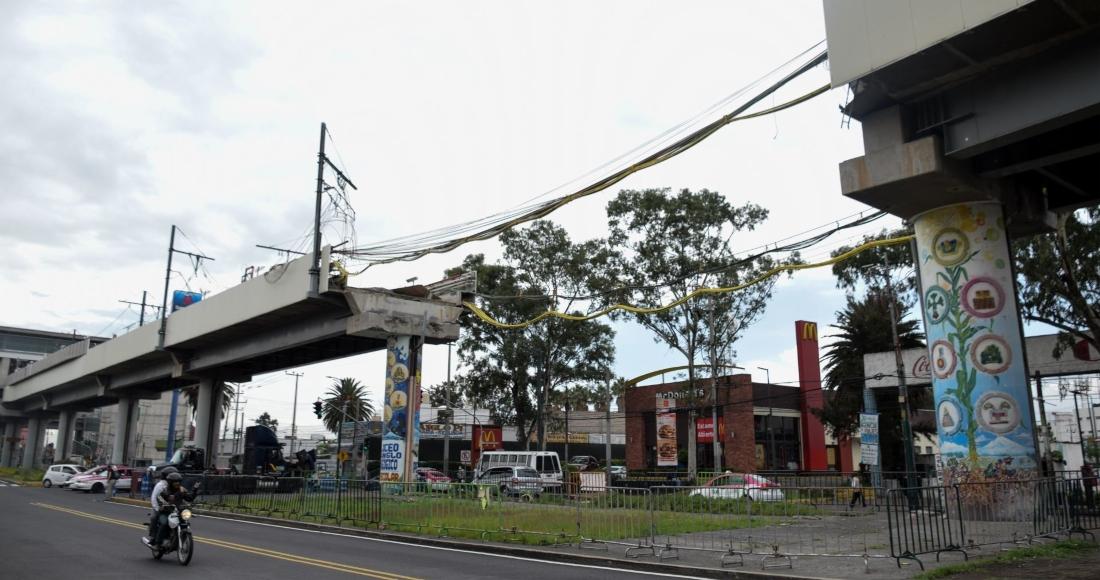 A tres meses del derrumbe de dos trenes del Metro en la estación Olivos de la Línea 12, la zona cero se mantiene resguardada por elementos de la policía.