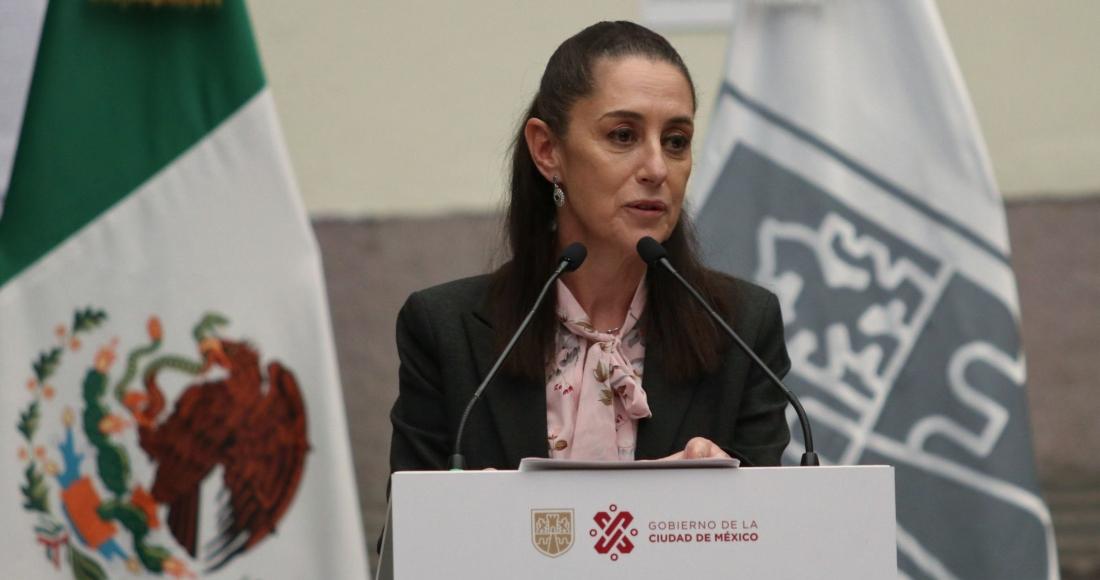 """Claudia Sheinbaum Pardo, Jefa de Gobierno de la Ciudad de México, encabezó la entrega de firmas de promotoras indígenas por la dignificación de """"Tlali""""."""