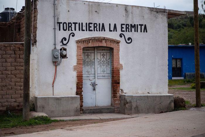 Locales abandonados debido a la violencia.