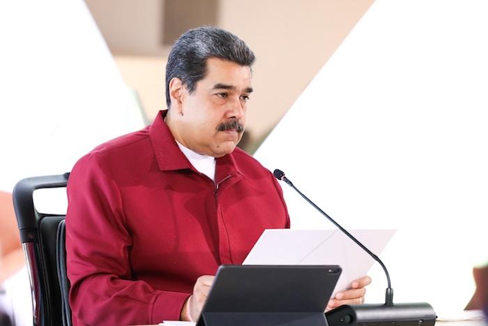 Fotografía cedida por prensa de Miraflores en la que se registró al Presidente de Venezuela, Nicolás Maduro, durante un acto de Gobierno, en Caracas (Venezuela).
