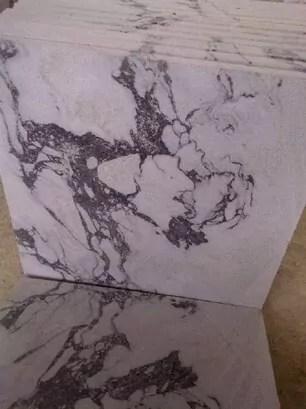 Batu alam Putih Cacing