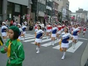 小学生の鼓笛隊