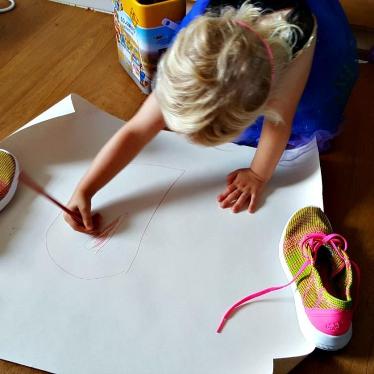 BIC colouring activity kit
