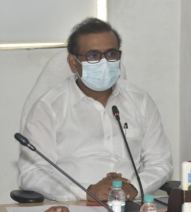 Min Rajesh Tope video conference at Arogya Bhavan 1 1