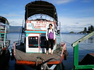 En el barco TukTuk - Parapat - Sumatra - Indonesia