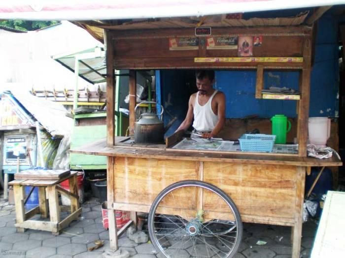 Puesto callejero en Yogyakarta, Java, Indonesia