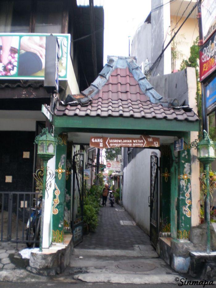 Entrada a la calle Gang II, Yogyakarta, Java, Indonesia