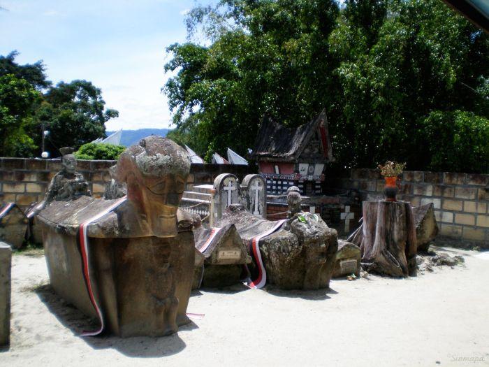 Tumbas, Samosir supervolcán Toba