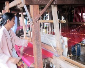 Hilanderas en Myanmar Sinmapa