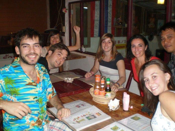 Cenando en Tailandia