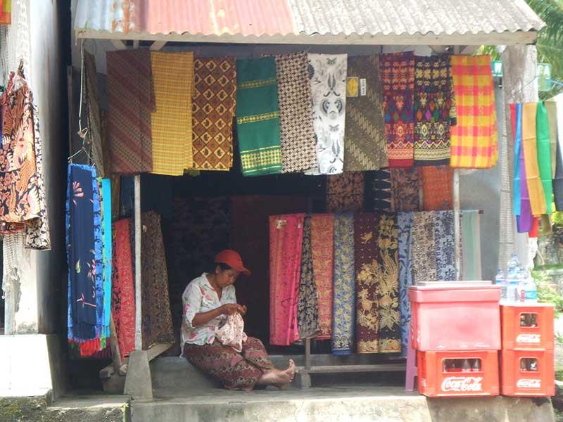 Tienda en las calles de Ubud