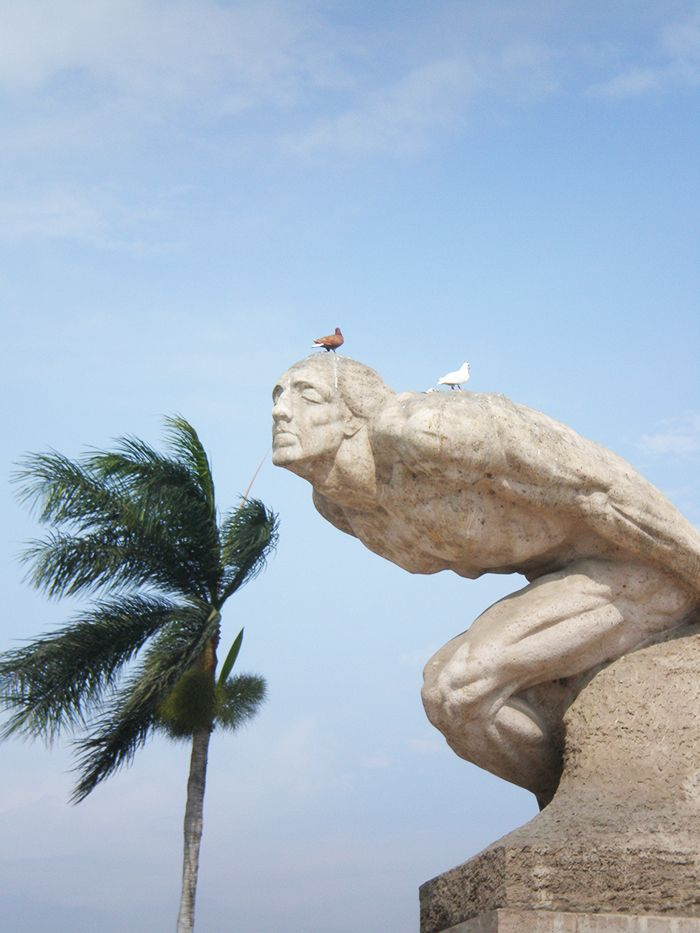 Plaza de Armas  - Monumento a la Libertad - Peru
