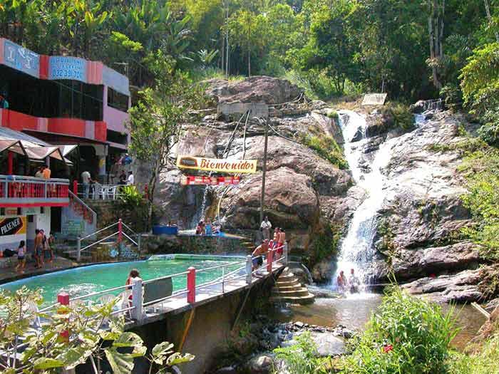 Balneario en Baños de Agua Santa, Ecuador.