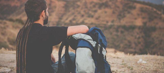 Viajar solo: Descubre las 2 anécdotas más divertidas y la situación más difícil de un viajero solitario