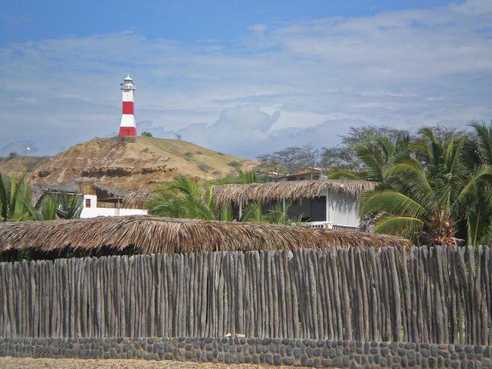 Faro - Qué ver y qué hacer en Máncora - Playas - Perú - Sudamérica