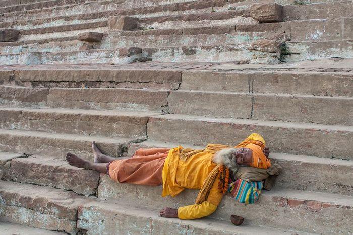 Una siesta en las escalinatas