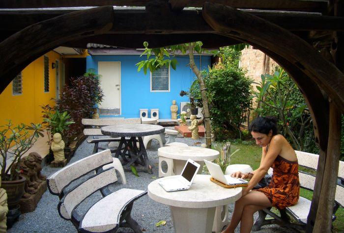 Esta vez llevé mi oficina al jardín del hotel donde me alojé en Krabi, Tailandia.