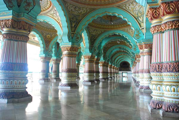 Hall público Durbar - Foto: Official Website of Mysore Palace