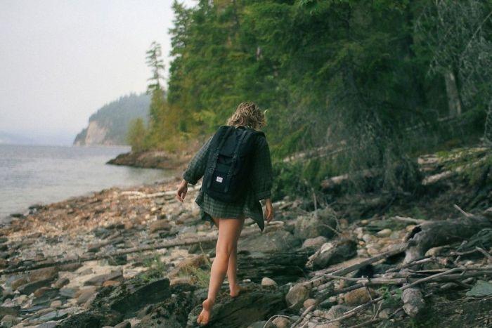 Miedo_viajar_sola-mujer-caminoweb
