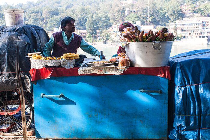 Vendedor ambulante en Rishikesh