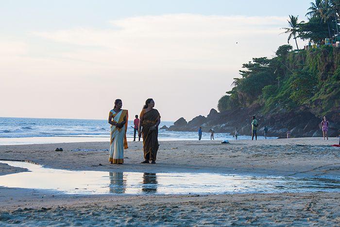 varkala-playa-mujeres-saris
