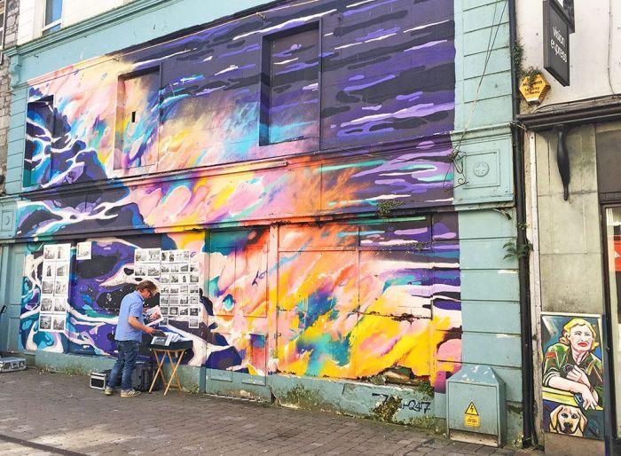 Murales en el centro de Galway Irlanda