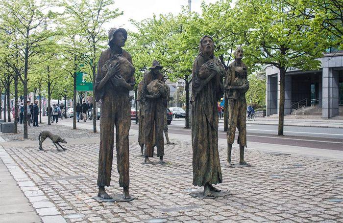 """Qué ver en Dublín en 2 o 3 días - ver el Monumento """"Gran hambruna de la patata"""" Irlanda"""