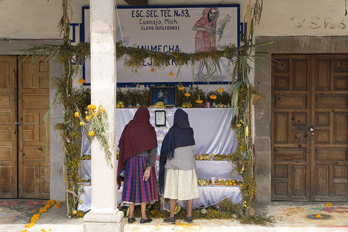 Altar del día de los muertos en cuanajo