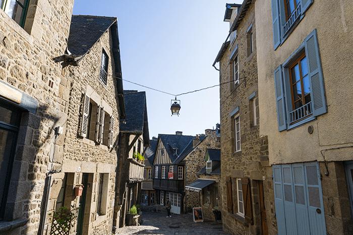 calles más bonitas de Dinan Bretaña Francia