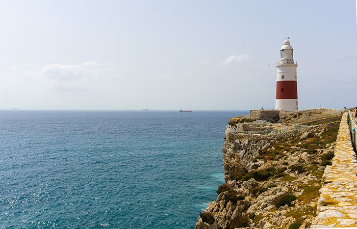 Faro Punta Europa