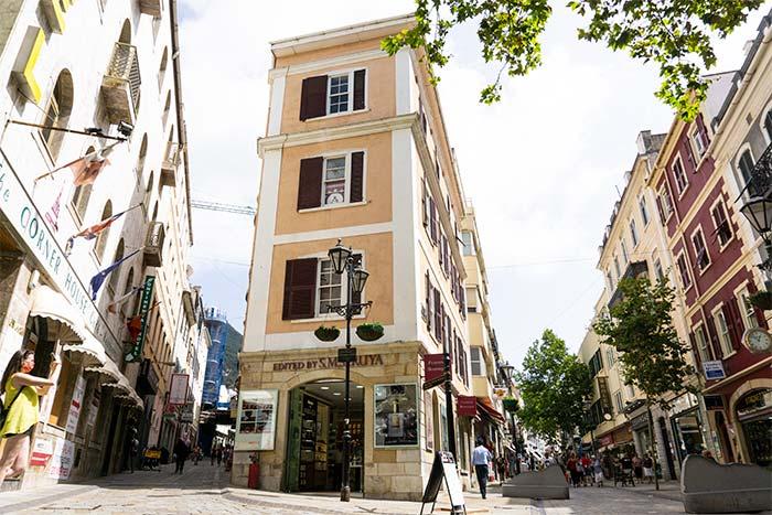 Edificios y calles del centro histórico de Gibraltar