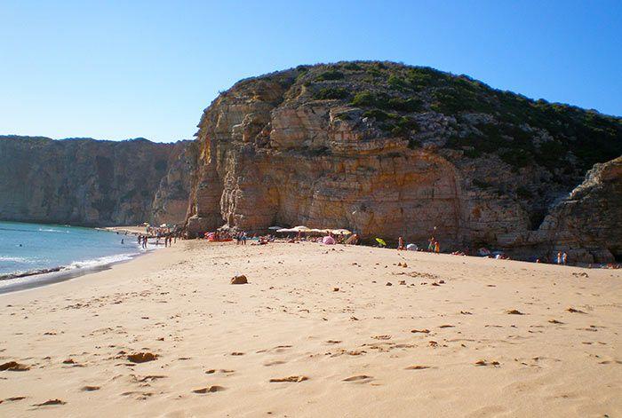Playa con acantilado en El Algarve
