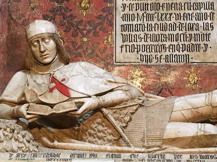 Esultura funeraria de El Doncel de Sigüenza en la Catedral