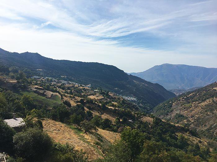 Vistas al Barranco de Poqueira desde Capileira