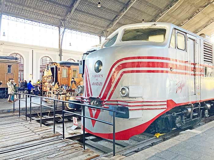 Trenes del Museo del Ferrocarril, donde se lleva a cabo el Mercado de Motores