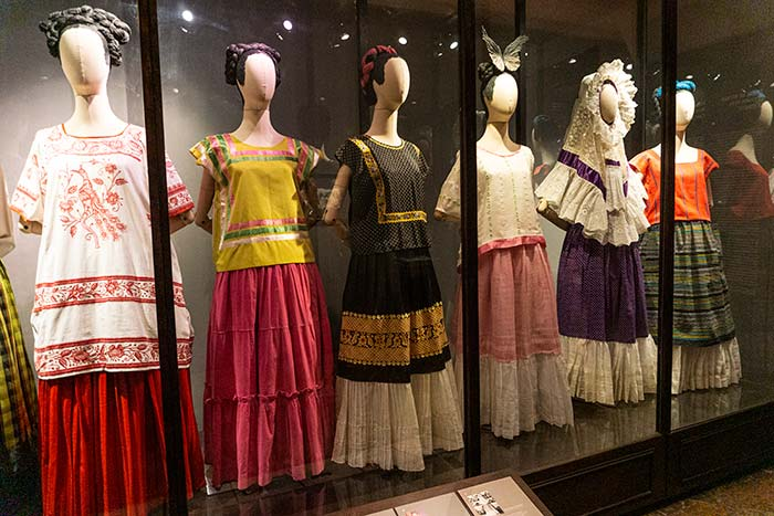 Exposición del vestuario de Frida Kahlo