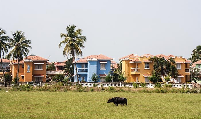 Casas coloridas en Benaulim, Goa