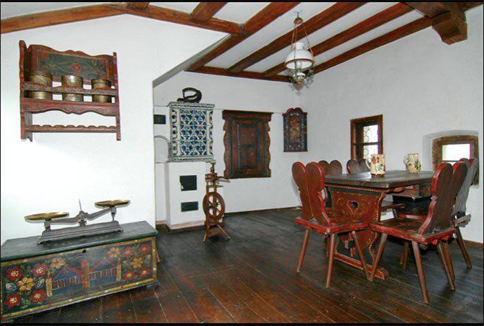 Salones interiores del castillo de Drácula