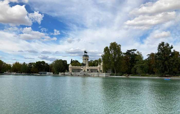 Parques de Madrid : estanque Grande del Parque del Retiro