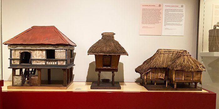 Maqueta de casas de Filipinas en el Museo de Antropología de Madrid