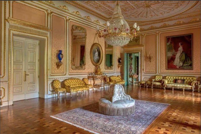 Salón de baile en el Palacio de Liria