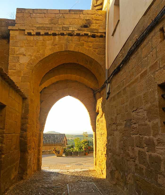 Puerta de la antigua muralla de Briones, La Rioja