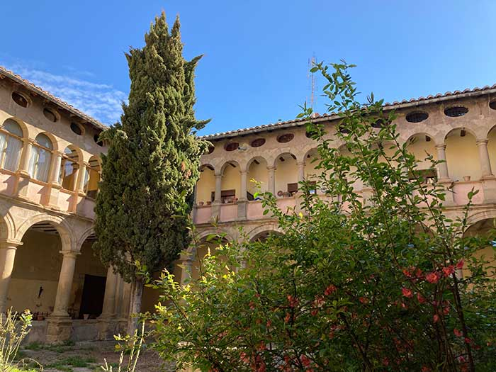 Claustro del Antiguo Convento de Carmelitos Descalzos, Rubielos de Mora, Comarca Gúdar Javalambre, Teruel