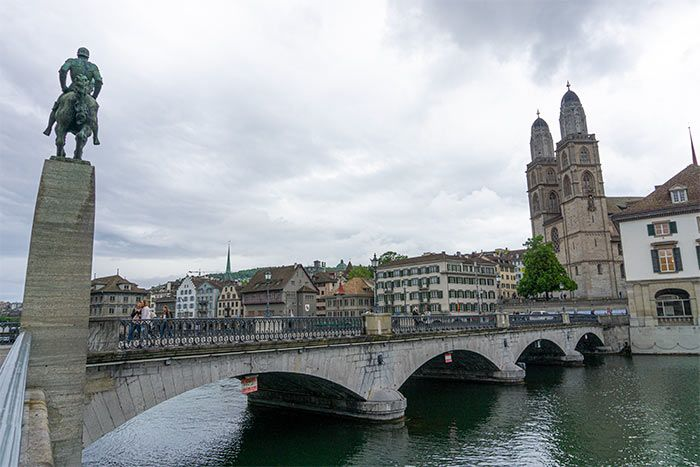 Puente Münster en Zúrich, Suiza